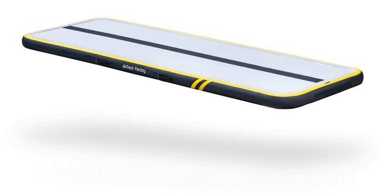 půjčovna nabídne mimo jiné také airfloor 3m x 1m od firmy airtrackfactory, zdroj obrázku: https://air-track.cz/na-doma/137-airfloor-home-spark-3-x-1-m.html